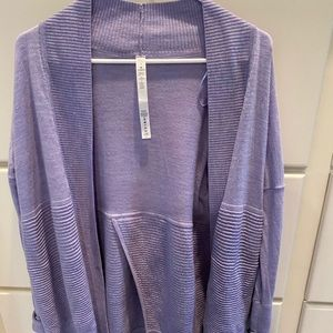 Lululemon Size 4 - Sit in Lotus Wrap